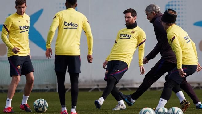 Roces en el vestuario del Barcelona terminan con una pelea en el entrenamiento