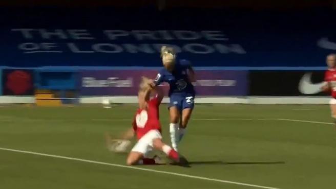 Pernille Harder, el fichaje más caro de la historia del fútbol femenino, se estreno con gol
