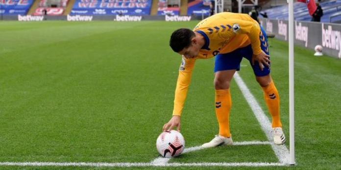 Prensa inglesa asegura que James pudo ir a Manchester United o Barcelona antes de Everton