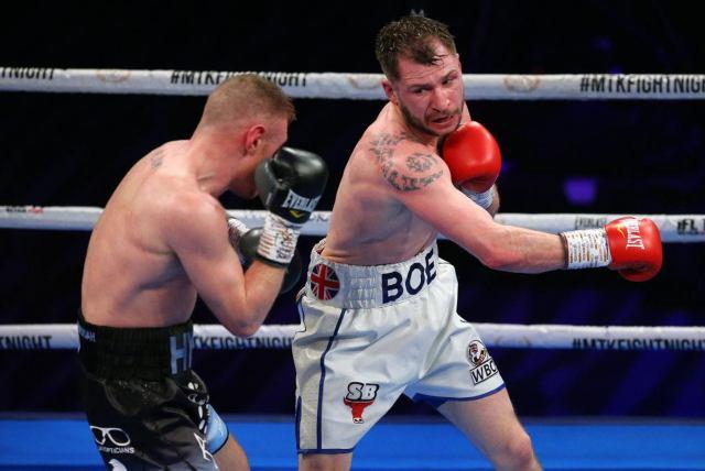 Insólito nocaut: Decisión del árbitro dejó indefenso a uno de los boxeadores