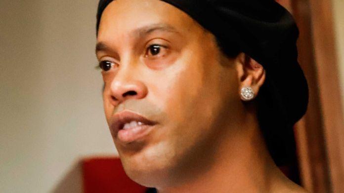 Ronaldinho comenzó a beber de forma desmedida luego de la muerte de su madre