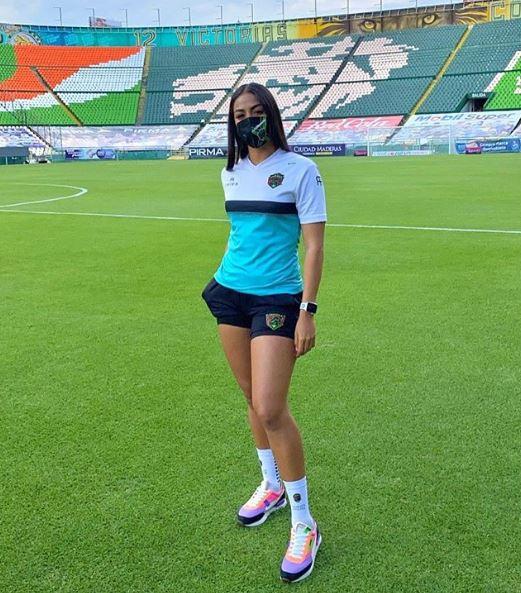 Ella es Stefani Jiménez, la portera sensación del fútbol mexicano