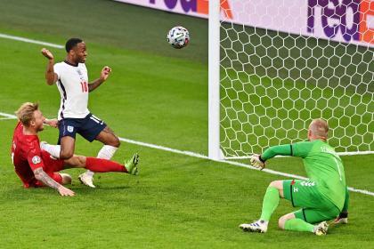 Selección de Inglaterra: Raheem Sterling declaraciones penalti contra Dinamarca