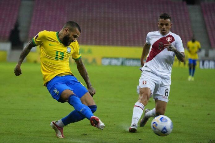 A Dani Alves el Sao Paulo le debe 2 millones de dólares