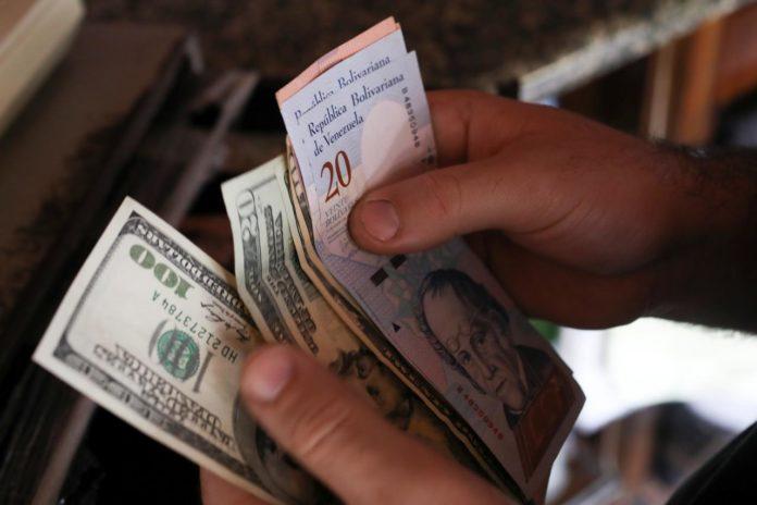 """Asdrúbal Oliveros: """"Cada día los venezolanos tienen más acceso a las divisas"""""""