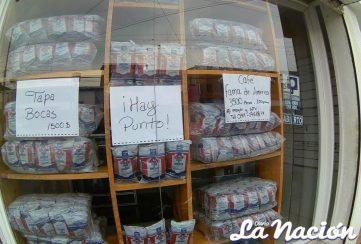 Pequeños negocios permanecen abiertos en horarios modificados por la cuarentena. (Foto/Johnny Parra)