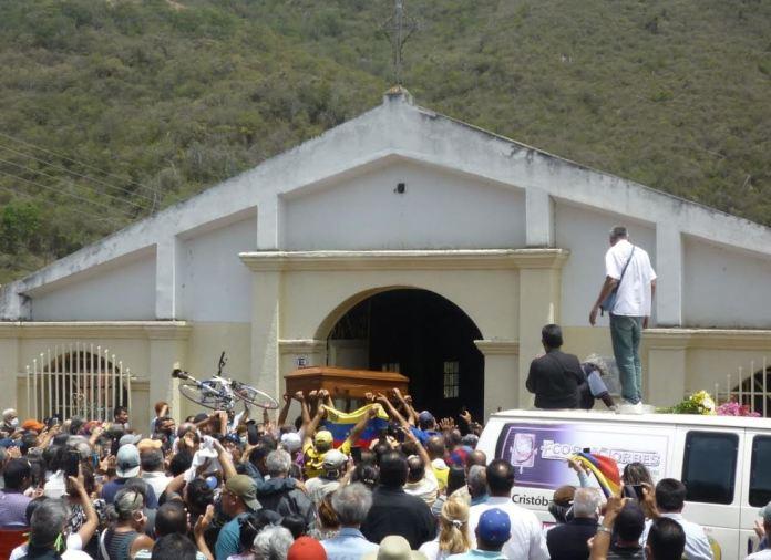 Lobaterenses recibieron a Carlos Alviárez Sarmiento
