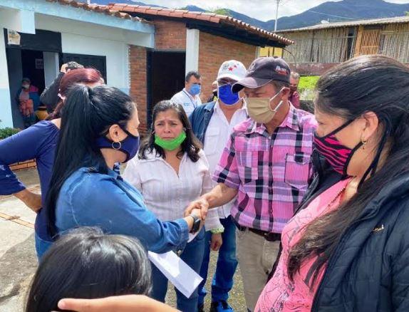 Gobernadora Laidy Gómez estuvo en la zona