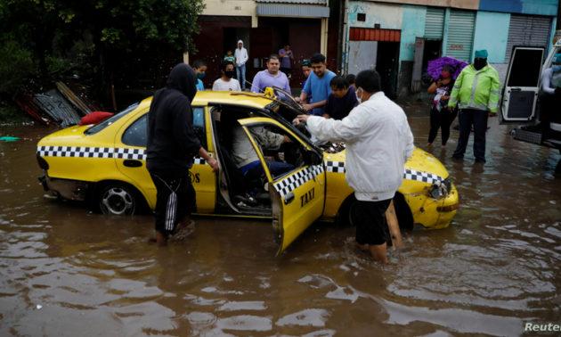 El Salvador se encuentra en Estado de Emergencia en medio de los estragos dejados por la tormenta tropical Amanda.