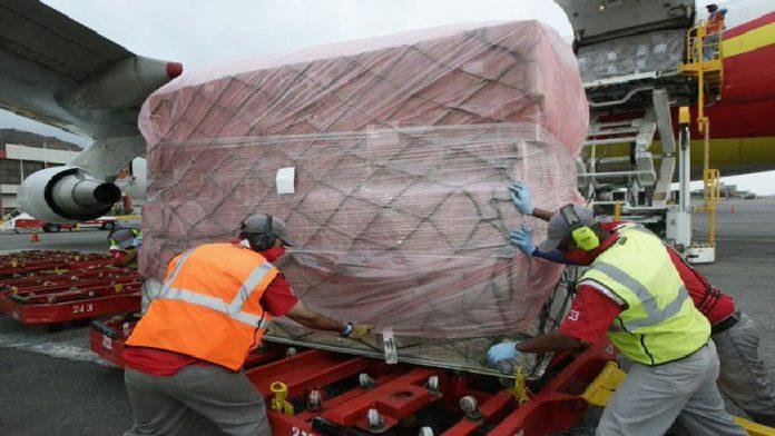 Llegó al país cargamento de ayuda humanitaria procedente de Rusia