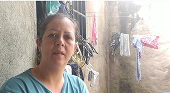 Rosa Duarte lo perdió todo y requiere ayuda para su esposo, tetrapléjico. (Foto: Bleima Márquez)