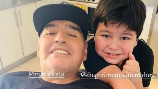 Prohíben cremación del cadáver de Maradona por la lluvia de pruebas de paternidad