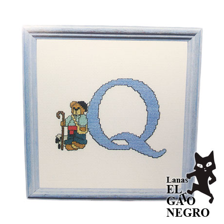 bordado letra Q osito azul