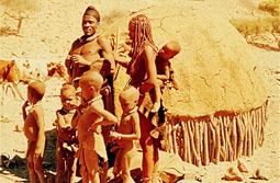 LA MUJER AFRICANA,  BELLA Y COQUETA.  (1/6)