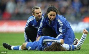 Patut la player Chelsea sentuh sikit dah tergolek…