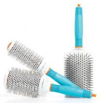 Tools for dry frizzy hair