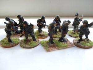 Platoon comm section  advancing