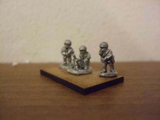 60mm Mortar and 3 crew