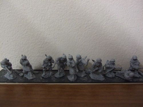 R13 Ausult engineers including flamethrowers 10 figures