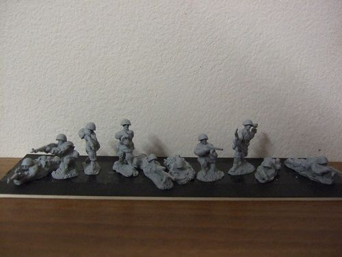 R3 infantry section giving covering fire 10 figures