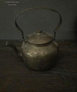 Oud koperen theeketel