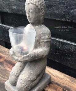 Stenen Boeddha beeld