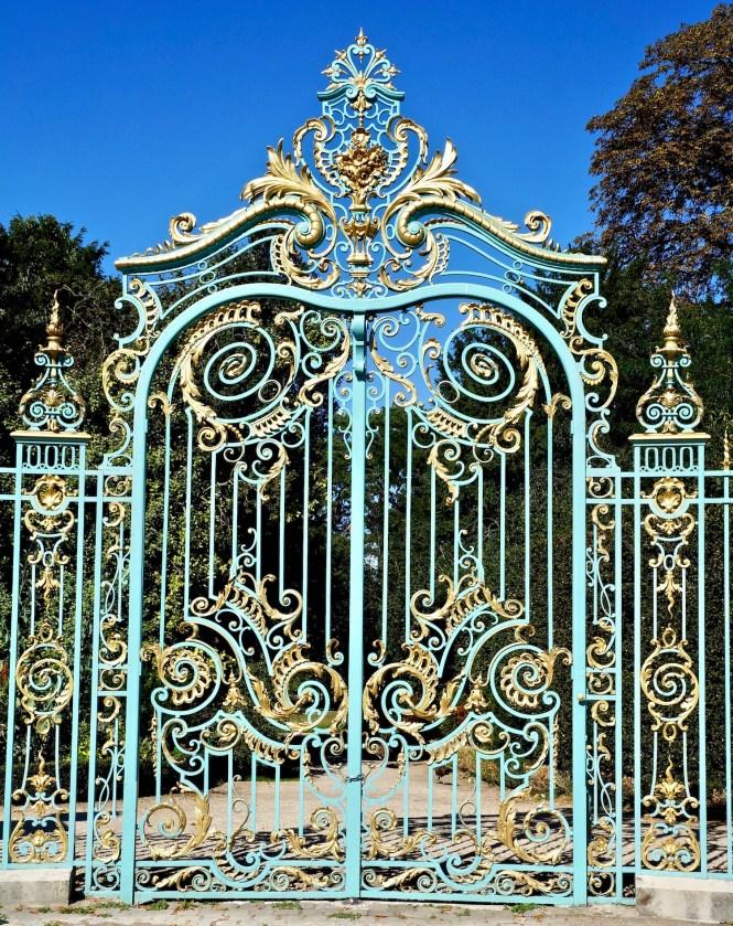 bagatelle garden gates