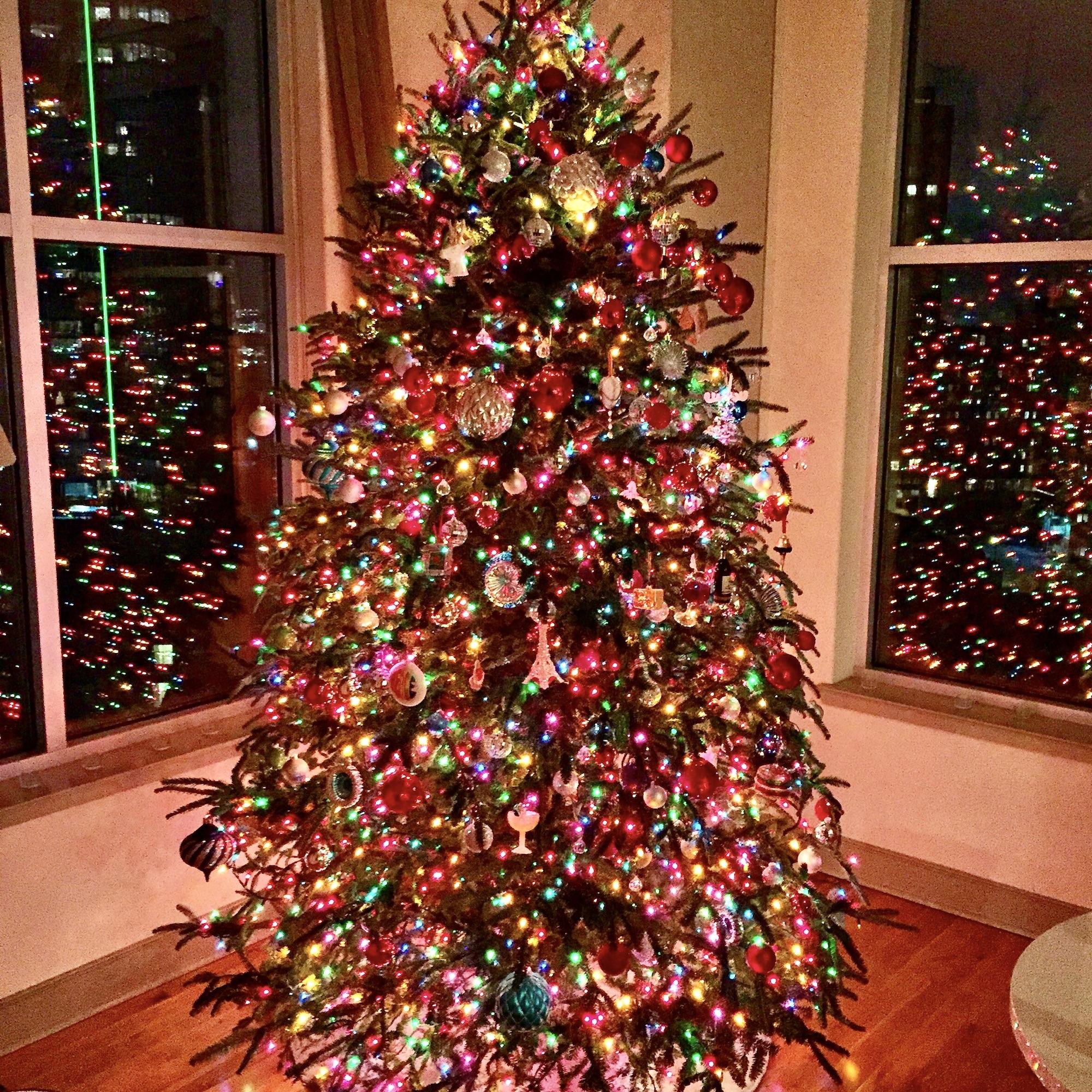 Christmas In Paris Sapin De Noel My Paris Christmas Tree Landen Kerr