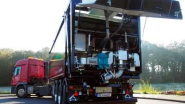 Huesker's new FCC+ Tipper Trailer with Borger pump (Börger's FL1036 pump).