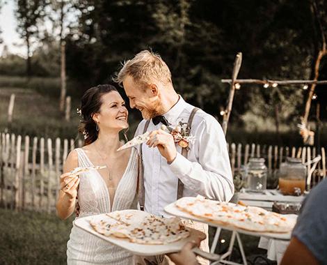 Brautpaar Hochzeitskleid Herborn Empfang Flammkuchen
