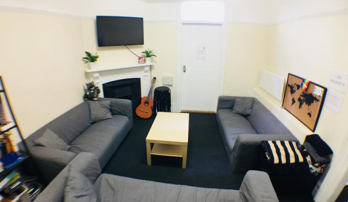 MIXED 12 BED DORMS – BRUNSWICK
