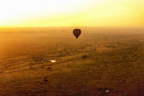 hot air balloon Serengeti Tanzania