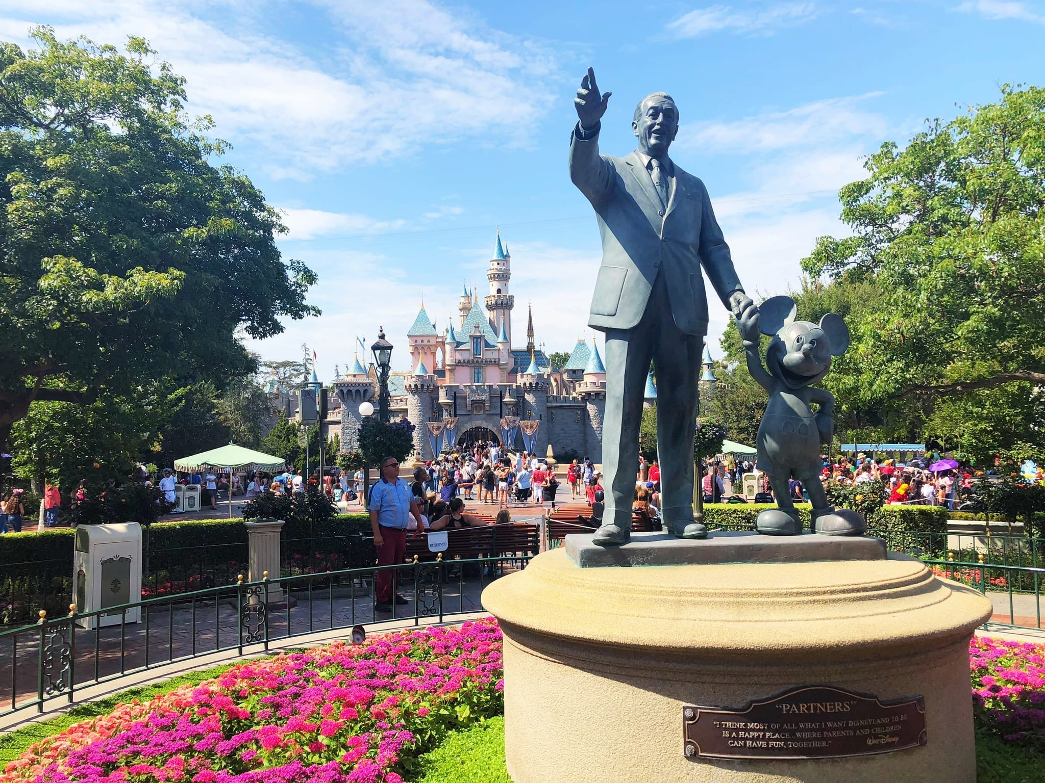 Photo of ETW #73 Weird Travel – Freezing Walt Disney