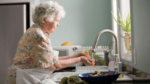 8 Ways for Landlords to Attract Senior Renters