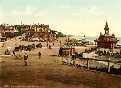 640px-Entrance_to_the_pier,_Bournemouth,_England,_1890s