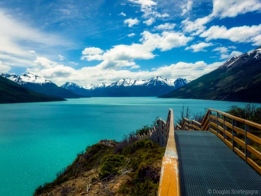 An enchanting image of the scenery by the Perito Moreno Glacier in Argentina