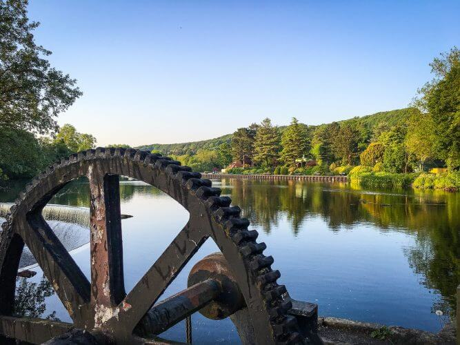 An image of a mill along the river in Belper in the Peak district of the UK