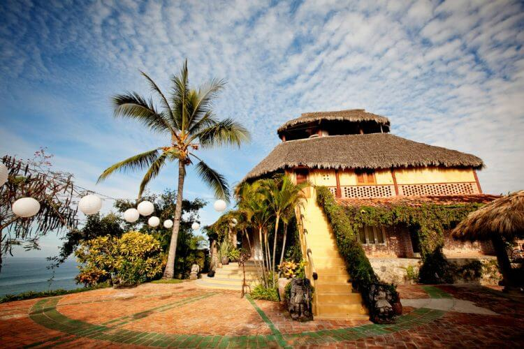 An image of the luxurious Villa Amor in Sayulita