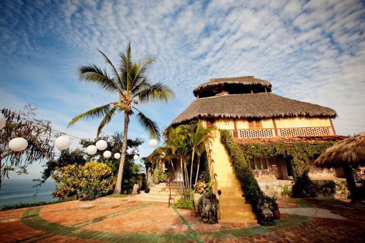 An image of the luxurious Villa Amor in Sayulita
