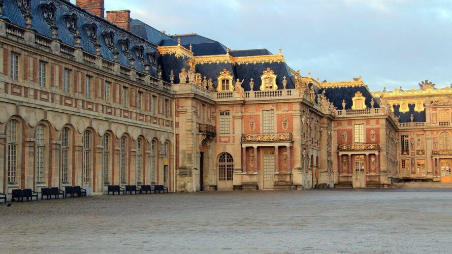 An image of the architecture on display at the palace of versailles