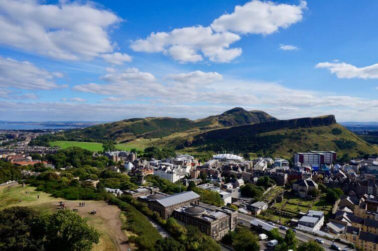 This image shows the breathtaking view one gets from Arthur's seat over Edinburgh
