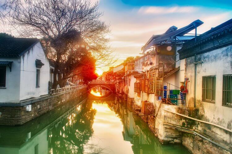 An image of the canals in the picturesque Suzhou district
