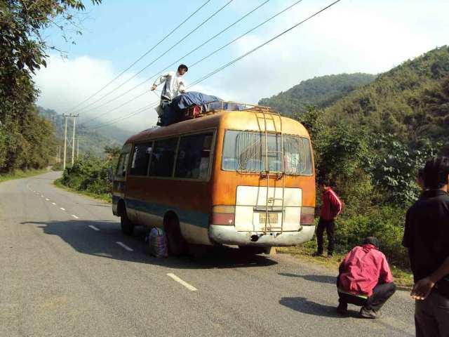 Der Bus nach Muang Khoua