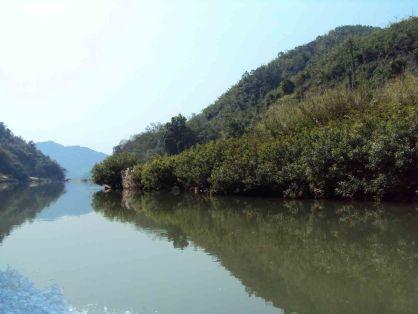 Quiet plases along the river