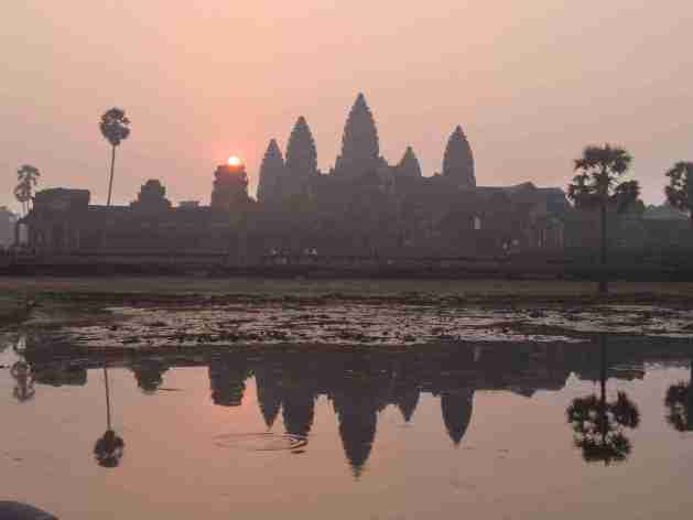 Die aufgehende Sonne in Angkor Wat
