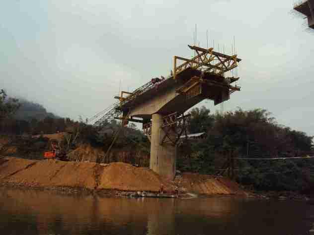 Brücke im Bau