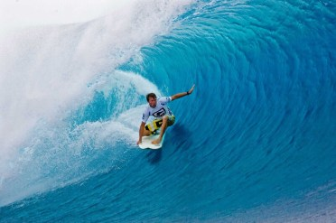 surfing-in-fiji1
