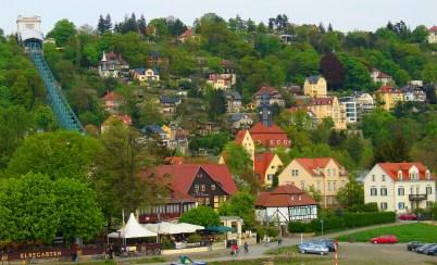 Dresden Loschwitz mit der Dresdner Bergbahn Quelle: Wikimedia Commons, Masur, GNU-Lizenz