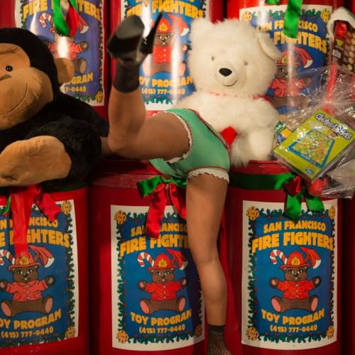 Gold Club's Santa's naughty helpers_-4