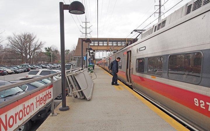 Darien Noroton Heights Train Station Study